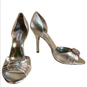 Steve Madden silver pumps 9.5 M